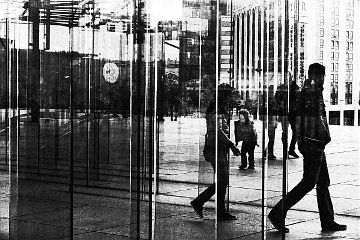 blackandwhite people street paris architecture