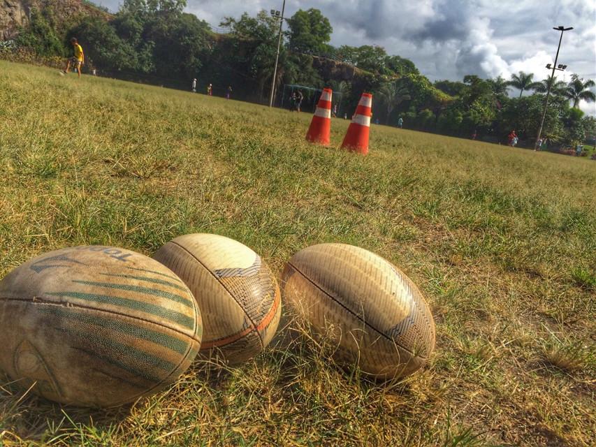 Final de mais um dia de treino para a equipe Vitória Rugby.  #rugby  #rugbyfemenino  #vitóriarugby  #rugbybrasil  #coachfrancosarcinelli