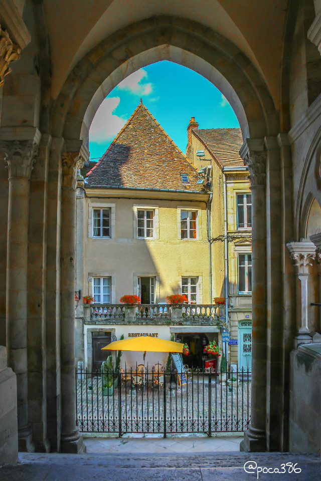 Enjoy your weekend dear friends! #photography #travel #france #autun #architecture