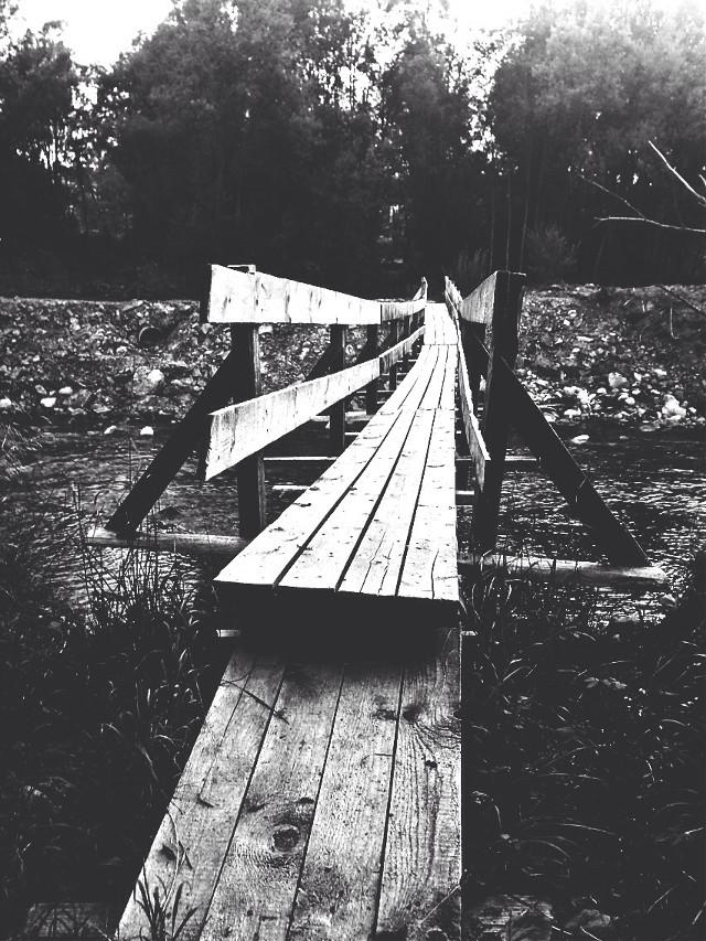 Save my life 🙌🏼  #way #bridge #river #photography #picsart #iphoneography #photooftheday